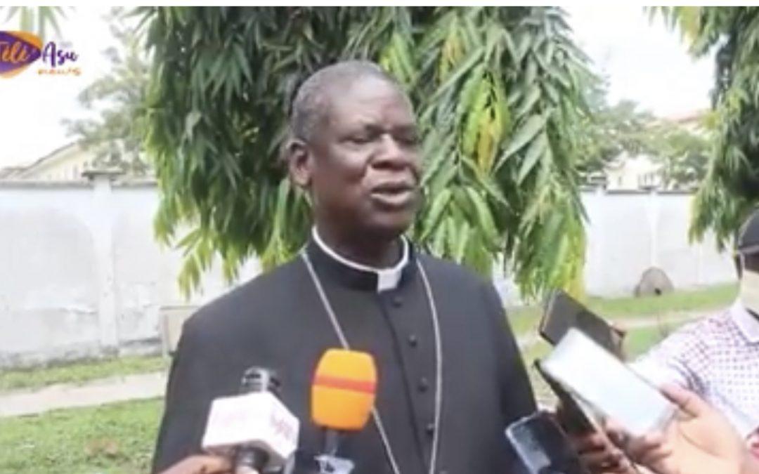 GRANDE NOUVELLE AU CAMEROUN : MGR SAMUEL KLEDA CONFIRME QU'IL SOIGNE LE COVID-19
